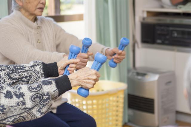 エクササイズ 運動 楽しい 介護 高鍋 デイサービス 居住介護支援 ほおのき